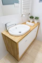 Elegant basin