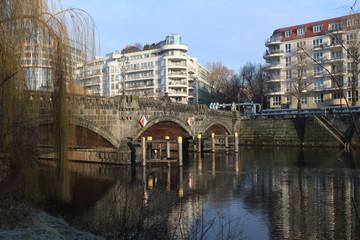 Partie an der Moabiter Brücke in Berlin