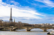 パリ セーヌ川とエッフェル塔