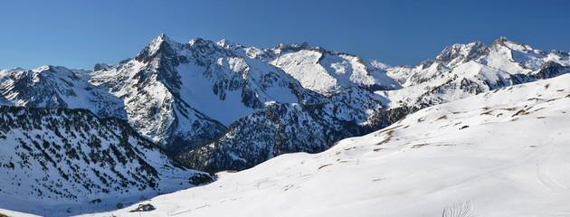 From Slopes of Saint Larry Soulan Ski resort to Neouvielle massi