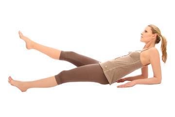 Frau macht Sportübungen