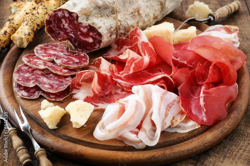Plexiglas Voorgerecht Prosciutto ham, bresaola, pancetta, salami and parmesan