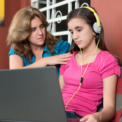 Mother tries to talk to her internet addicted daughter