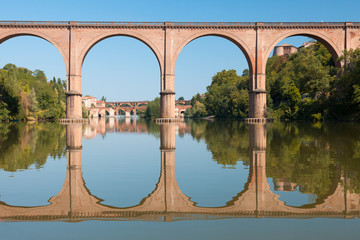Bridge in Albi and its reflection
