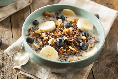 Organic Breakfast Quinoa with Nuts - 76459786