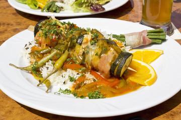 Balkanspiess, Schweinefilet mit Peperoni, Zucchini,