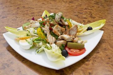 Gemischter Salat mit Putenfleisch
