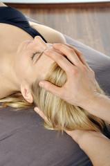 Osteopathische Behandlung von Kopf