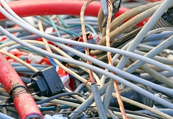 Electric copper cable and electric cables in a landfill