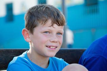 Tendre sourire d'été (Garçon 9-10 ans)