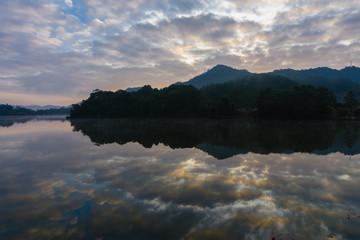 尖峰岭天池的晨曦2