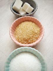 brown suger, crystalline sugar