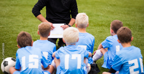 Soccer football coach tactic strategy speech. kids listening. - 76483188