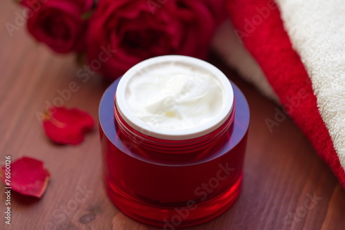 canvas print picture Face cream with rose oil