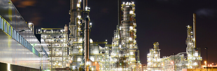 Raffinerie - Chemiewerk // Refinery - chemical plant