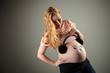 den dicken Bauch beobachten