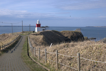 灯台の見える岬