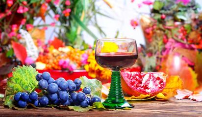 Rotwein, Herbstfrüchte, Erntedankfest