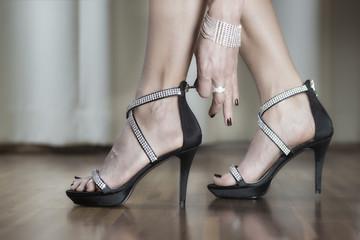Luxury high heels shoes with rhinestone