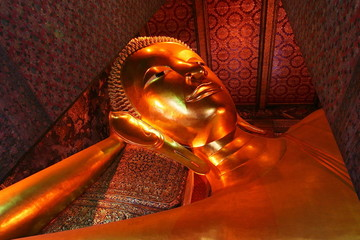 Reclining Buddha statue at Wat Pho