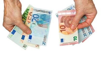Barzahlung mit Euro Banknoten