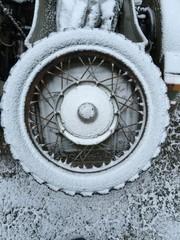 Schnee auf Ersatzrad