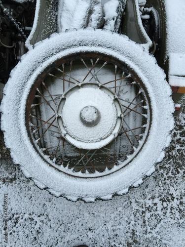 canvas print picture Schnee auf Ersatzrad