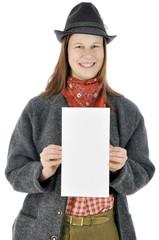 Frau aus Bayern hält Flyer mit Textfreiraum