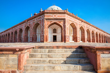 Daytime view of Humayun's Tomb, Delhi, India.