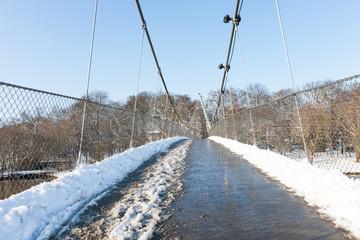 Fußgängerbrücke in Minden zur Winterzeit