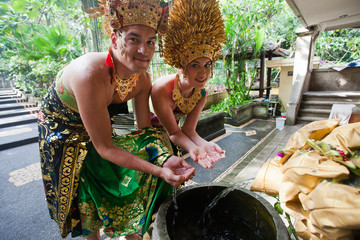 couple at honeymoon in Balinese tradition