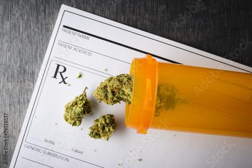 Leinwanddruck Bild medical marijuana