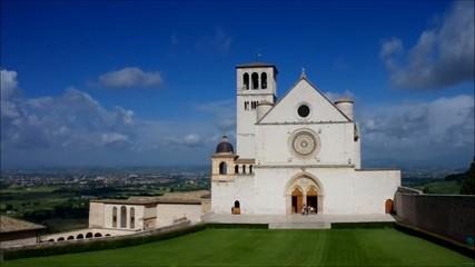 Assisi Kirche vid 01 zeitraff