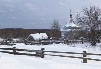 Деревенский, зимний пейзаж с часовней. Россия