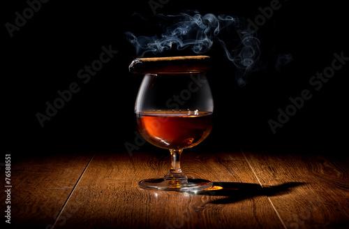 Cigar on wineglass - 76588551