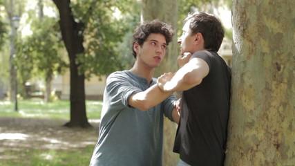 Friends fight ( argue )