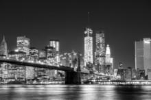 Черно-белый Нью-Йорк Skyline