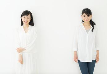 若い女性・二人