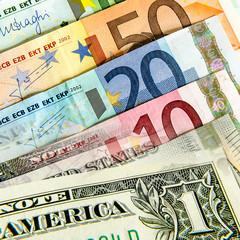 Euro und Dollar Geldscheine