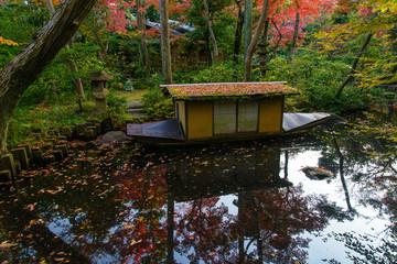 紅葉 日本庭園
