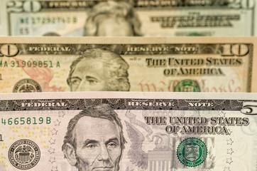 Verschiedene Dollarscheine