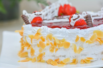 vanilla cake for honeymoon couple