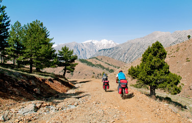 Two cyclists in the mountains of Turkey