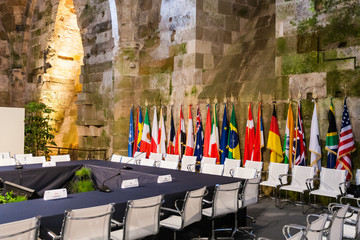 Diplomatic table and flags
