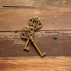 Zwei antike Schlüssel