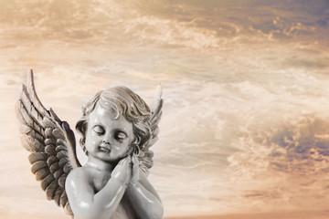 Trauriger Engel als Trauerkarte oder Kondolenzkarte