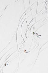 sciatori fuori pista