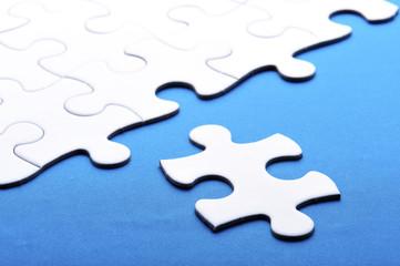 白いジグソーパズルの組み合わせ