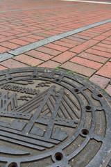 横浜・馬車道のマンホール