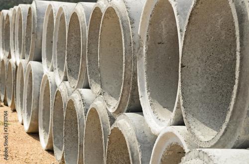 Leinwanddruck Bild Concrete drainage pipes stacked
